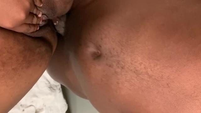 Пухленькая мама дает в попу своему сыну